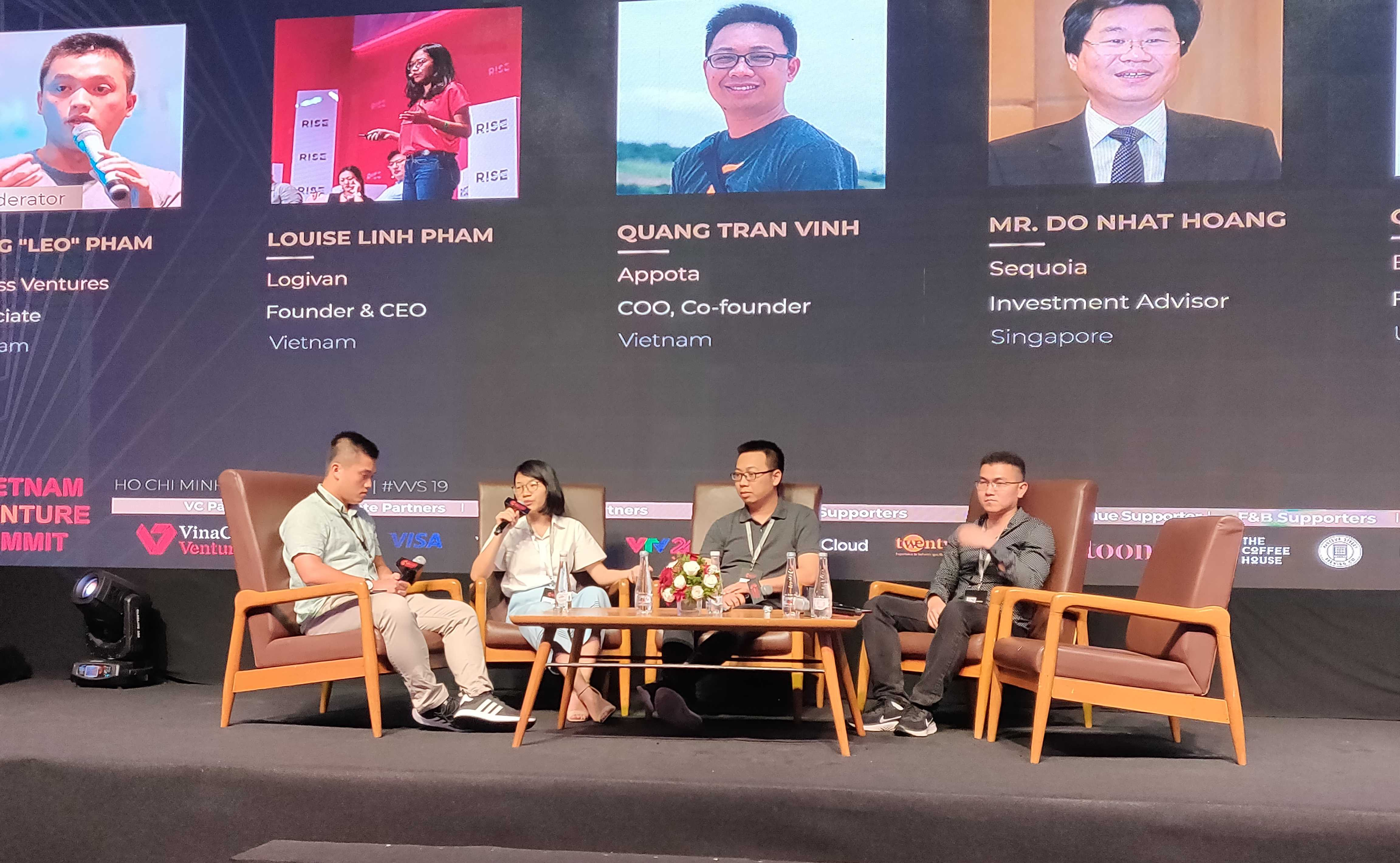 ceo-logivan-linh-pham-discuss-on-panel-vietnam-ventures-summit-2019